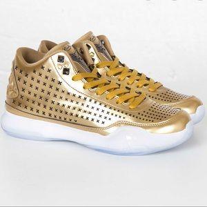 Nike Mens Kobe X Mid EXT Liquid Gold Sneakers